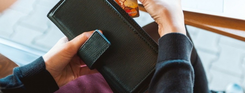 credit card college student wallet